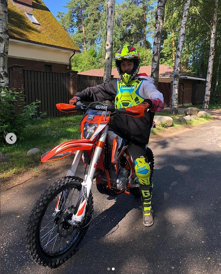 Егор Плющенко. Фото instagram @plushenkoofficial