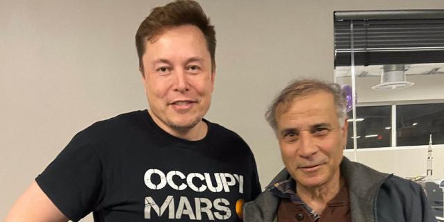 Роберт Зубрин и Илон Маск.