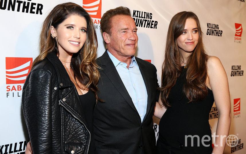 Арнольд Шварценеггер с дочерьми Кэтрин (справа) и Кристиной (слева). Фото Getty