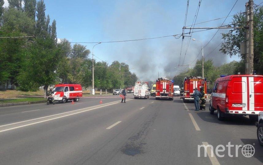 К ликвидации пожара привлекалось 70 человек и 21 единица техники. Фото 34.mchs.gov.ru