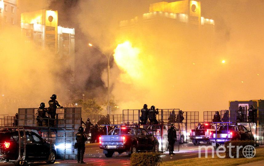 Несанкционированные акции протеста прошли в Минске в ночь на 10 августа. Фото AFP