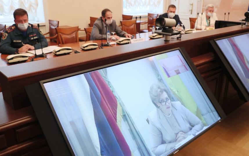 """Заседание рабочей группы Государственного совета РФ по противодействию распространению новой коронавирусной инфекции. Фото gov.spb.ru, """"Metro"""""""