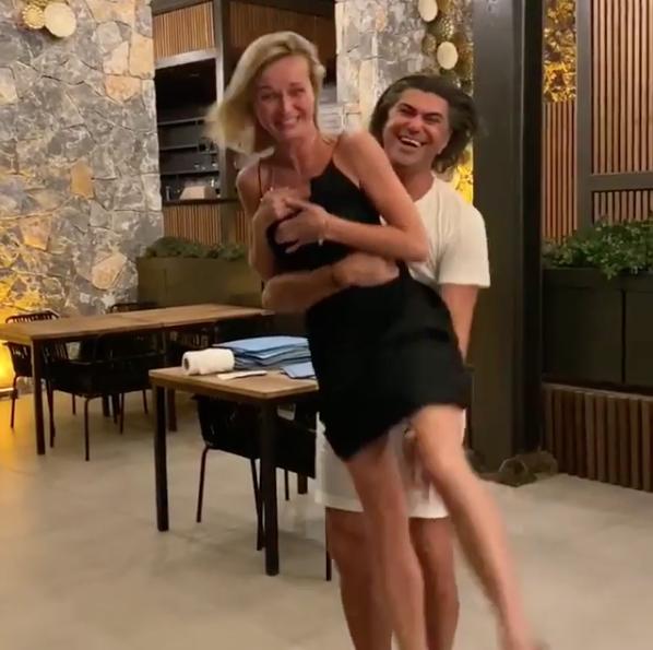Полина Гагарина и Николай Цискаридзе. Фото скриншот https://www.instagram.com/p/CD9xXpXn6c0/
