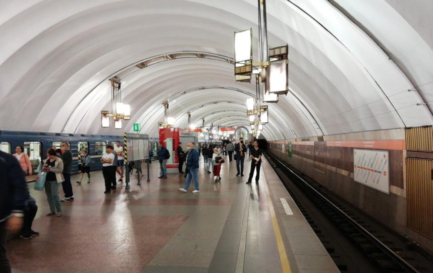 """Станция метро """"Проспект Большевиков"""". Фото https://vk.com/spb_today, """"Metro"""""""