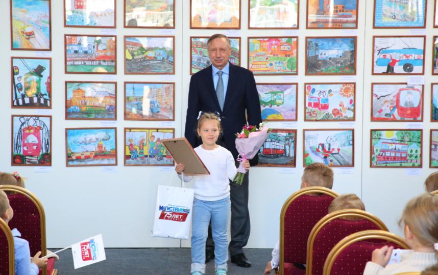 """Награждение победителей. Фото gov.spb.ru, """"Metro"""""""