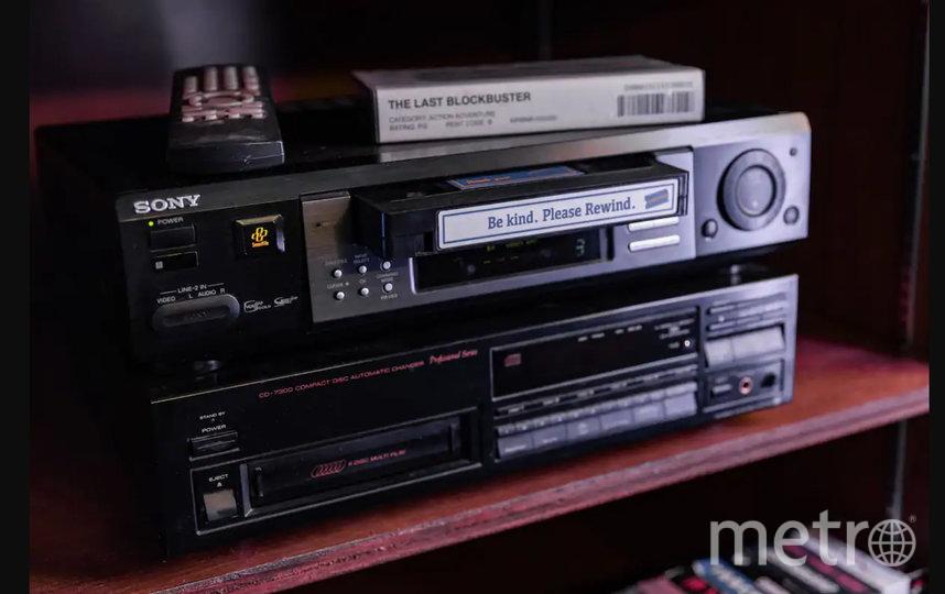 """Один из самых редких предметов в """"Блокбастере"""" – видеопроигрыватель VHS."""