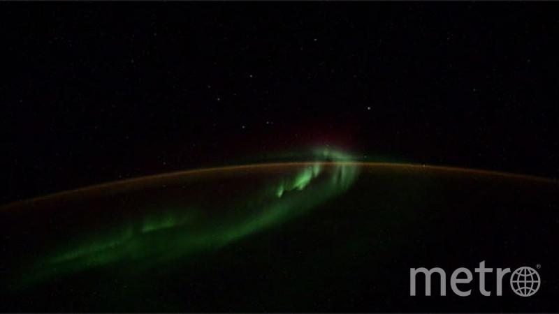 Это могут быть спутники системы связи Starlink. Фото Кадр из видео twitter.com/ivan_mks63.