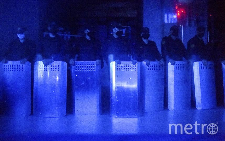 Силовики в Белоруссии поначалу подавляли протесты жёсткими методами. Фото AFP