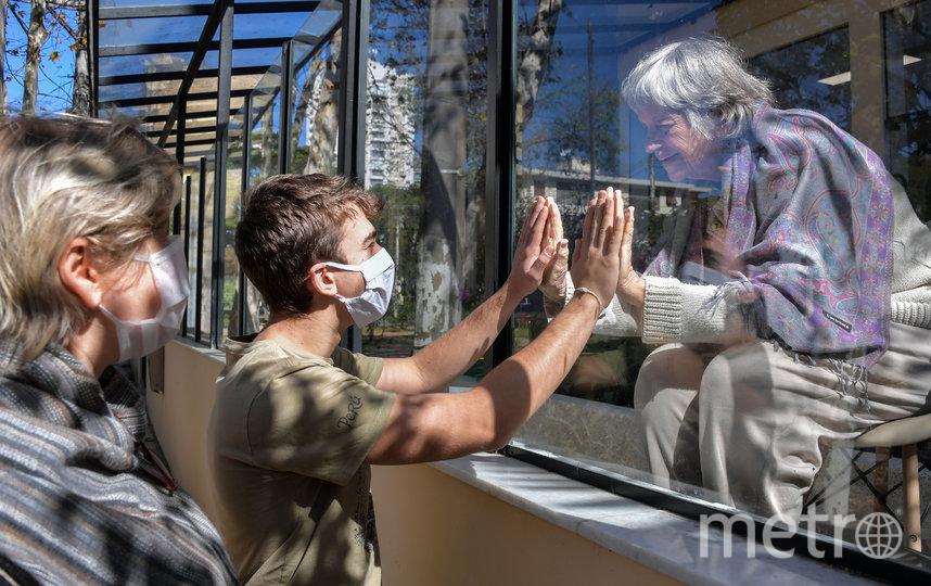 В регионе вот-вот снимут режим самоизоляции для пожилых людей. Фото из архива., AFP