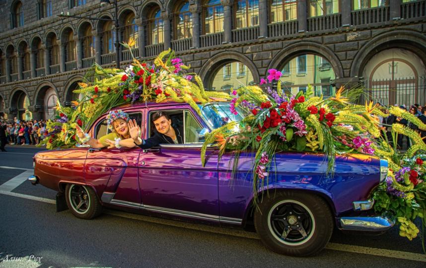 """Вход на фестиваль свободный. Фото https://vk.com/festivalofflowers, """"Metro"""""""