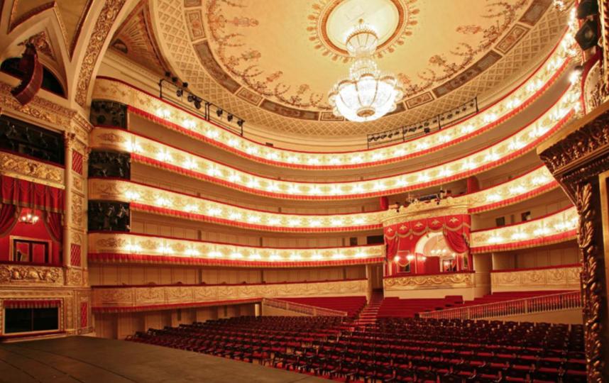 "Александринский театр. Фото https://vk.com/alexandrinskytheater, ""Metro"""