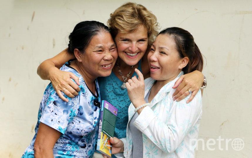 """Аннетт Херфкенс и две медсестры, которые оказали ей первую помощь. Фото предоставила Annette Herfkens, """"Metro"""""""