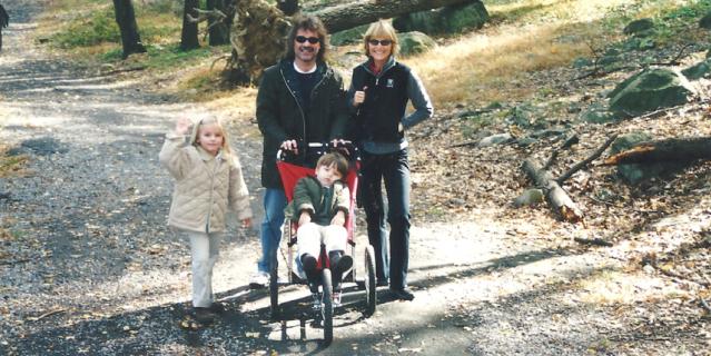 Аннетт и её семья. С Хайме Лупом ей пришлось развестись позже.