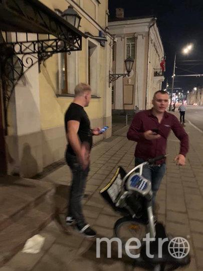 На велосипеде, по словам Ксении, был тот, что справа. Вскоре он привёл друга в чёрном. Фото Facebook @ksenia.anosova.3