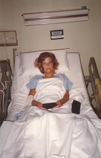 """Аннетт Херфкенс в больнице Сингапура – ей пришлось перенести немало операций там, а позже и в Голландии. Фото предоставила Annette Herfkens, """"Metro"""""""