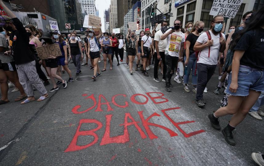 В настоящее время Джейкоб Блейк находится в больнице в тяжелом состоянии. Фото AFP