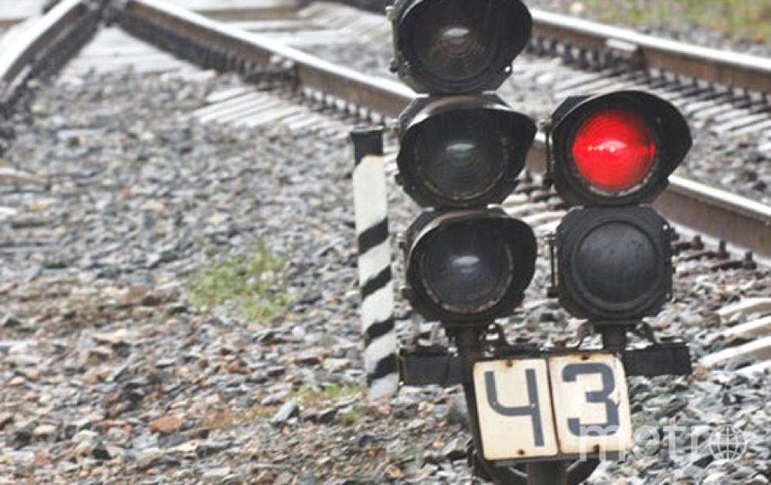 Мужчина переходил пути перед поездом. Фото Getty