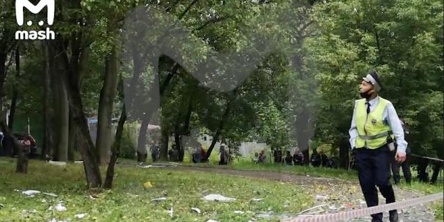 Пожар произошёл в пятиэтажке после взрыва газа на западе Москвы.