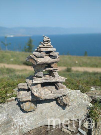 Таких «троллей» (пирамидки из камней) на удачу строят туристы в Бурятии и Иркутской области. Фото Ольга Кабанова, Иван Тереховский