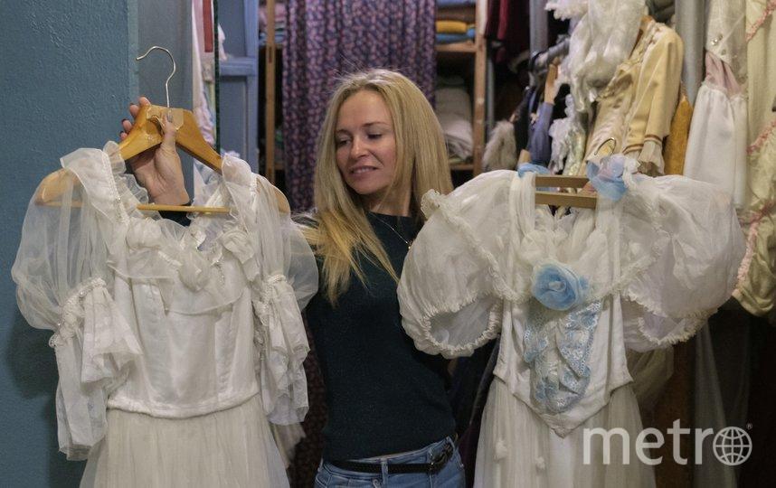 """Анна Голубева для своего образа примерила несколько бальных платьев. Фото Алена Бобрович, """"Metro"""""""