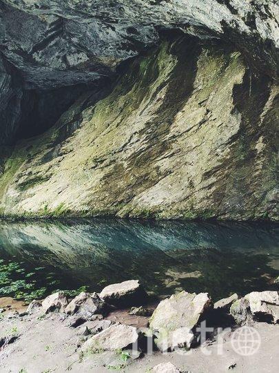 Капова пещера и ее наскальные рисунки (копии). Фото Дарья Миколайчук.