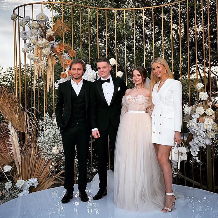 Первые фото со свадьбы младшего сына звезды. Фото Instagram