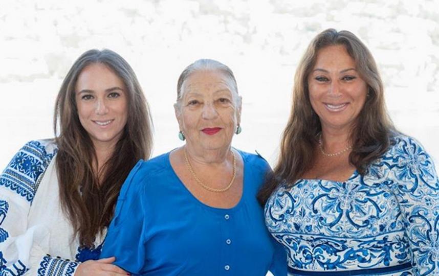 Екатерина Вербер с бабушкой и мамой. Фото скриншот Instagram @katiaverber