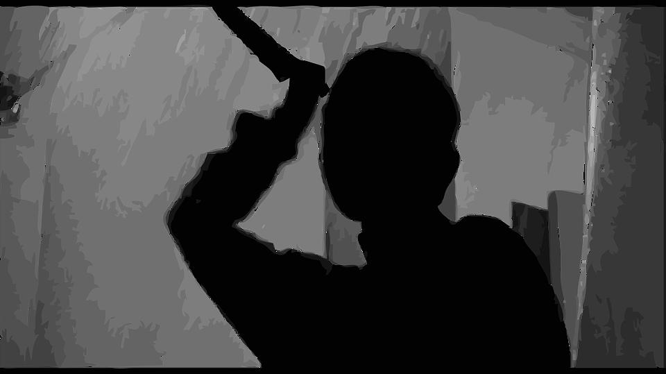 Инцидент произошёл 31 августа: мужчина набросился на свою супругу с ножом на глазах у детсадовцев. Фото pixabay.com