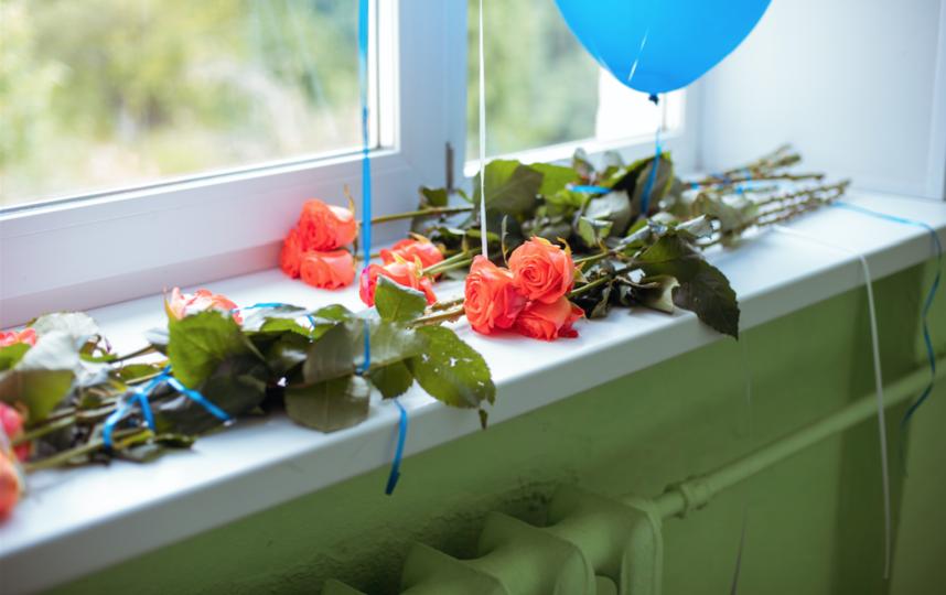 """Вместо роз в этом году чаще выбирали хризантемы и гладиолусы. Фото Алла Елисеева, """"Metro"""""""
