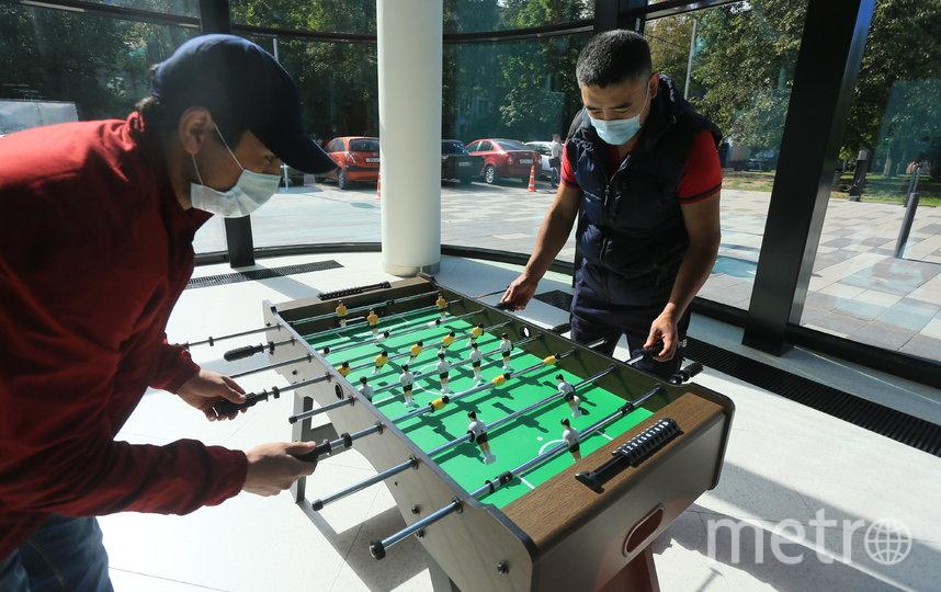 Настольный футбол пользуется наибольшей популярностью у посетителей. Фото Василий Кузьмичёнок
