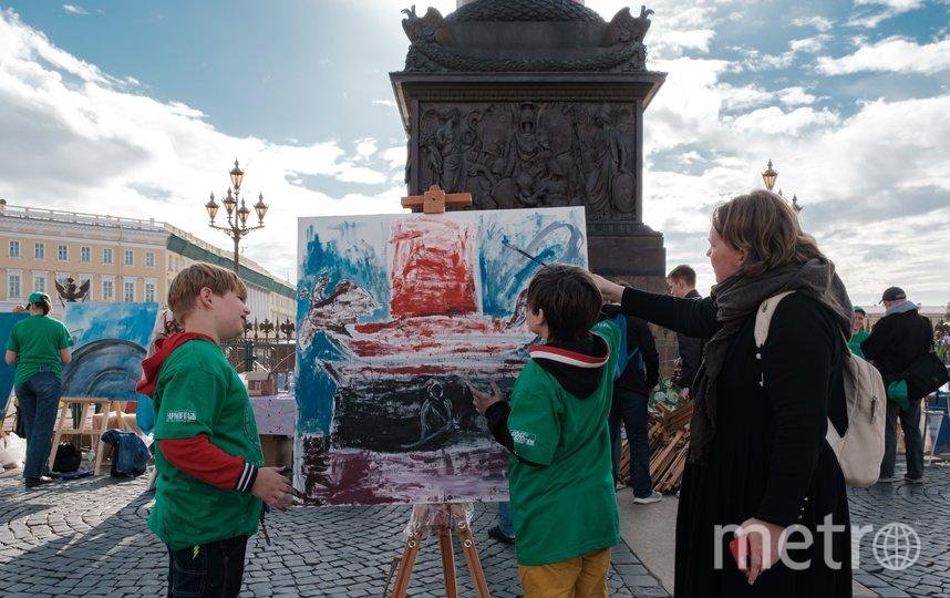 """Тема пленэра - свободная, большинство рисовали то, что видели вокруг себя. Фото Алена Бобрович, """"Metro"""""""