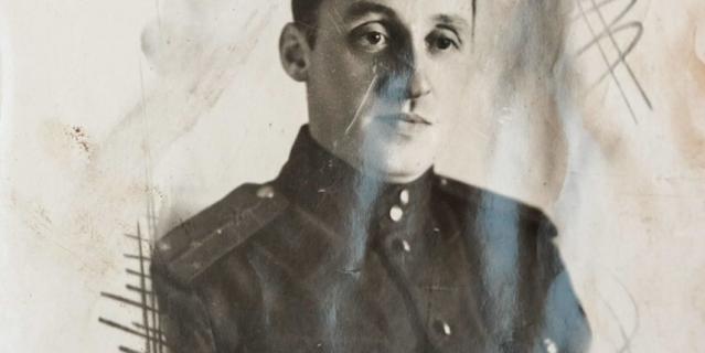 Лев Шенявский служил в инженерных войсках.
