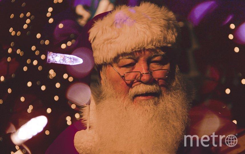 """Смольный начал постепенно готовиться к Новому году. Фото pixabay.com, """"Metro"""""""