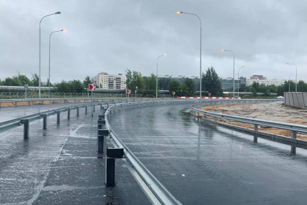 """Пропускная способность новой развязки составляет до 20 тысяч машин в сутки. Фото https://lenobl.ru/, """"Metro"""""""