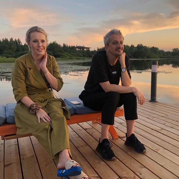 Ксения Собчак и Константин Богомолов. Фото скриншот: instagram.com/xenia_sobchak/