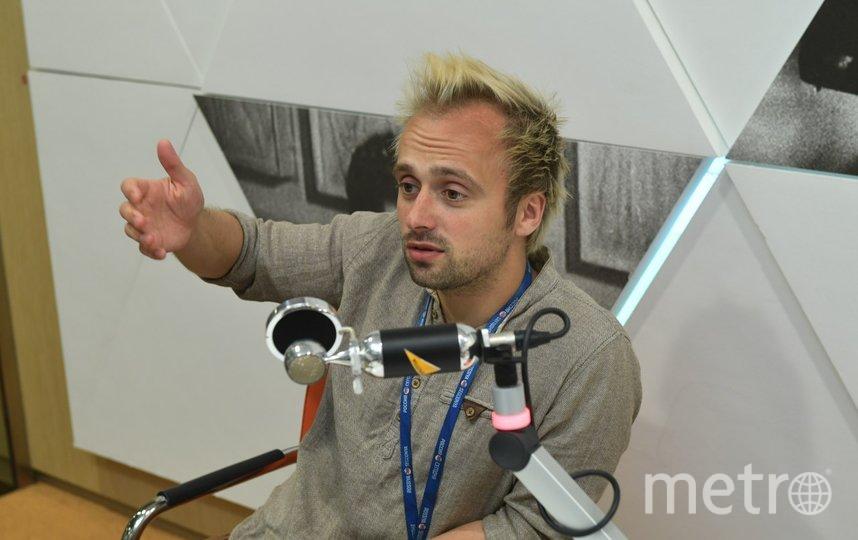Иван Громов считает, что профессиональный микрофон для записи подкастов – это хорошо, но отнюдь не главное. Фото Владимир Трефилов