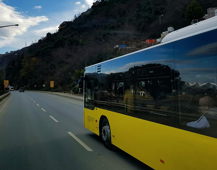 Автобус ехал с 51 пассажиром. Фото Pixabay.