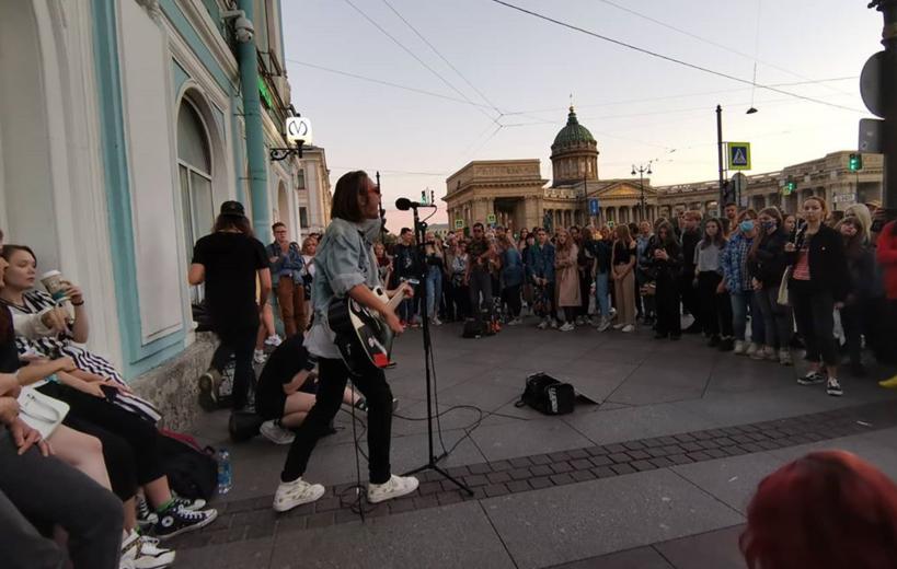 Музыкантов обяжут согласовывать свои выступления. Фото instagram.com/__sovushka______/.