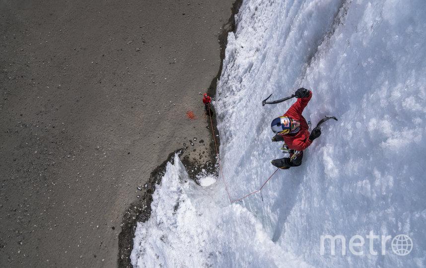 Первое восхождение на ледяные скалы Килиманджаро Уилл Гадд совершил ещё в 2014 году. Фото redbullcontenpool.com