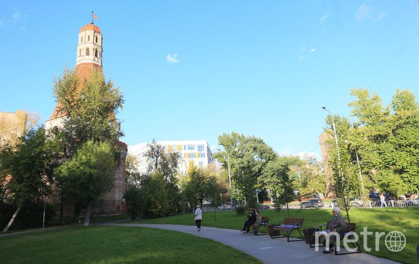 Сквер у Симонова монастыря. Фото Василий Кузьмичёнок
