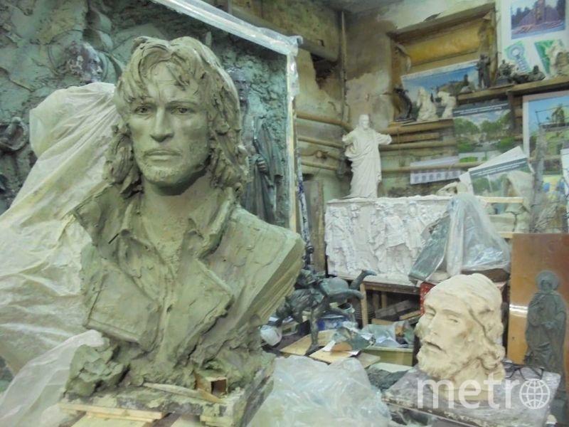 Бюст Талькова в мастерской Салавата Щербакова. Он может стать автором памятника, если его установку одобрят в МГД. Фото Ирина Красильникова