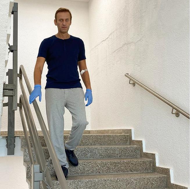 Алексей Навальный в клинике Charite. Фото скриншот Instagram @navalny