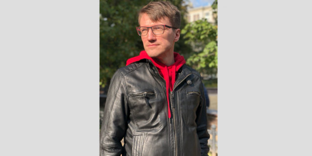 Михаил, юрист, 37 лет.
