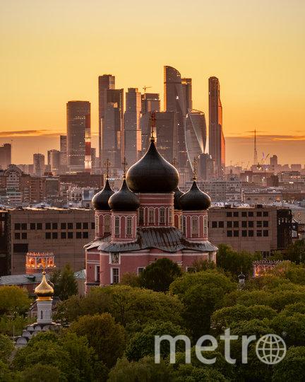 Донской монастырь в лучах весеннего солнца. Фото instagram @ strogolex
