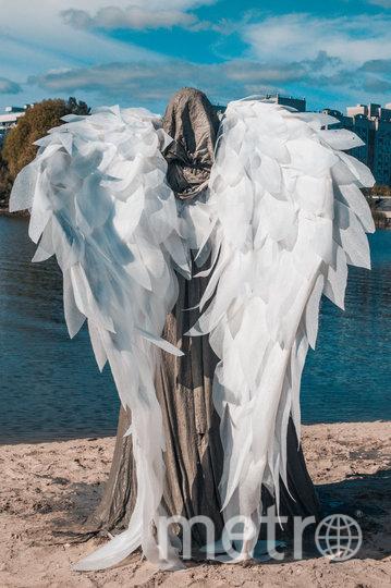 """Крылья ангела сделаны из подложки для ленолеума. Фото Дмитрий Горб, """"Metro"""""""