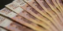 Исследование показало, что россияне делают с зарплатными деньгами