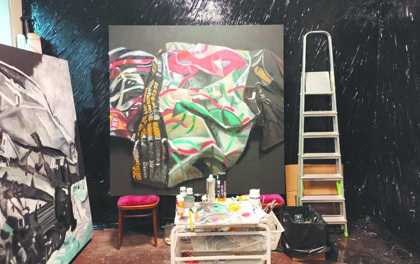 В мастерских хранятся работы, которые просто не поместятся в личных квартирах художников. Фото предоставил Денис Рудых