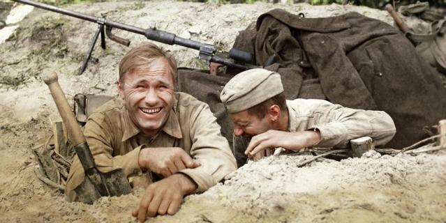 """Кадр из фильма """"Они сражались за Родину""""."""