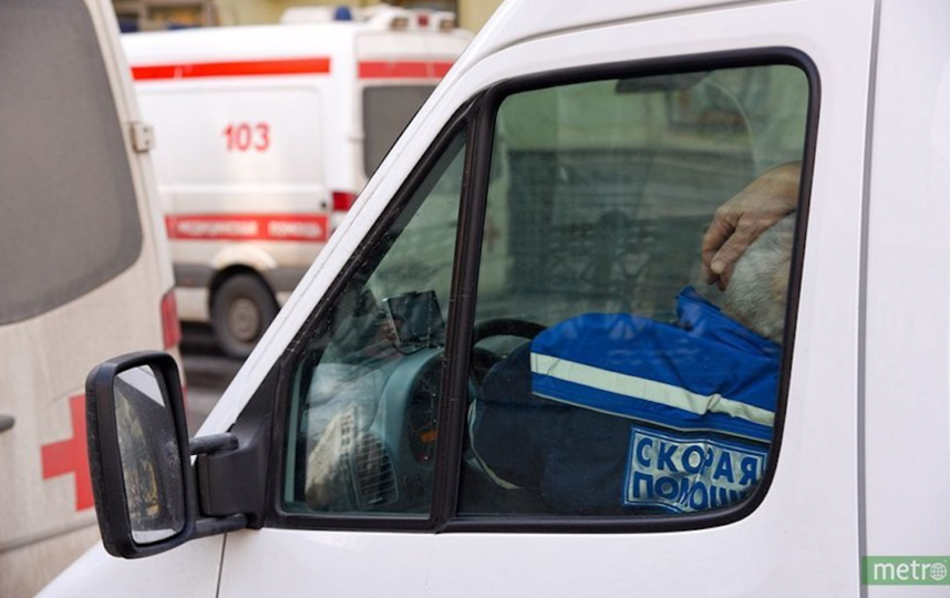 """Хозяин квартиры в больнице. Эксперты выясняют причины ЧП. Фото Василий Кузьмичёнок, """"Metro"""""""