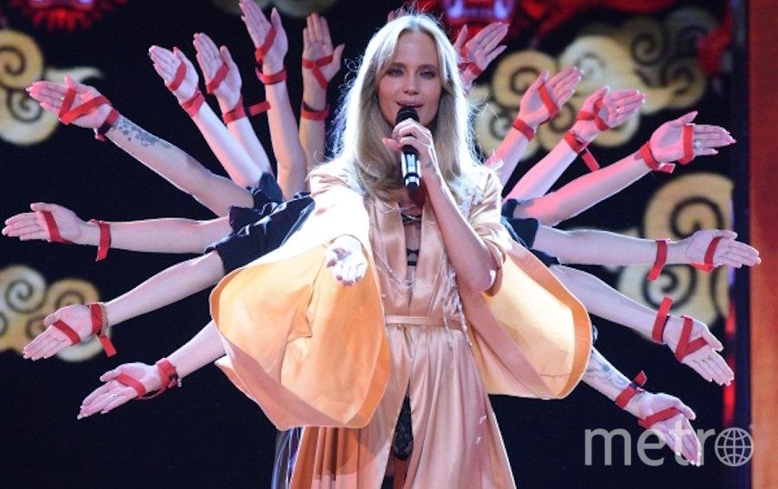 Чтобы стать помощником звезды, нужно быть мастерицей на все руки. Фото РИА Новости